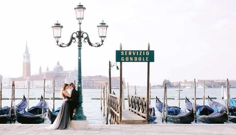 Elegant Pre-Wedding Session in Venice