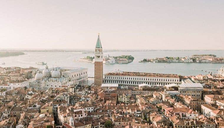 Venice Anniversary – Romance meets Seduction